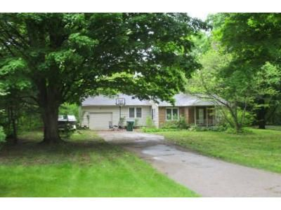 3 Bed 2 Bath Foreclosure Property in Niles, MI 49120 - S 13th St