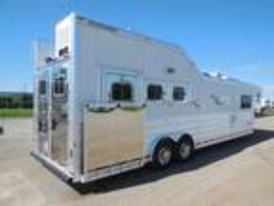 2015 Platinum Coach 3H 14' LQ SIDE LOAD!! RAISED BAR, CHAIR, SOFA!! 3 horses