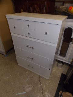 Shabby White Chest of Drawers