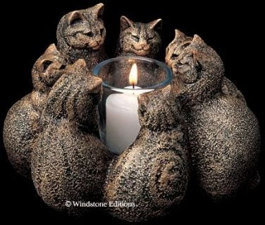 LIKE NEW! Large Windstone Circle of Cats Candle Holder