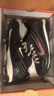 Nike Baseball Cleats (Men s 9)- $10