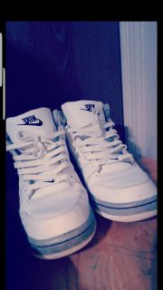 nike shoes mid top