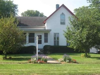 4 Bed 2 Bath Foreclosure Property in Princeville, IL 61559 - W South St