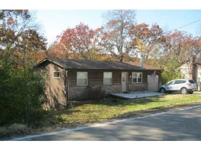 3 Bed 1.5 Bath Foreclosure Property in Arnold, MO 63010 - Lonedell Rd