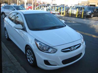 2013 Hyundai Accent GLS (White)