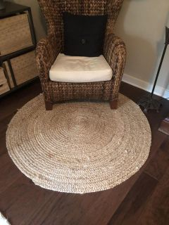 Round woven rug - natural