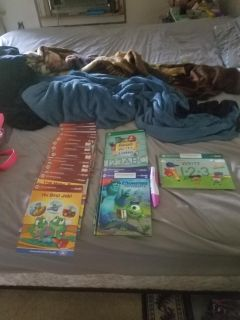 Leap Frog reader pen, 22 book, bag and charger