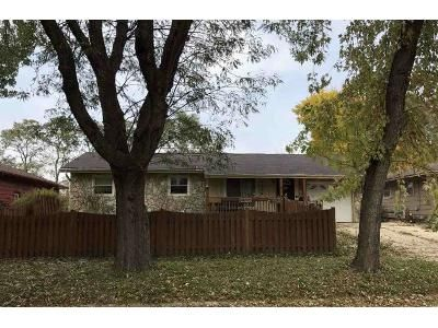 4 Bed 2 Bath Foreclosure Property in Rockford, IL 61108 - Shirley Rd