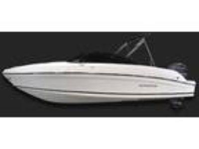 2019 Rinker Q3 OB / Outboard Models