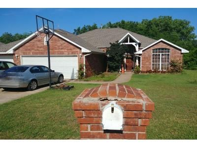 3 Bed 2 Bath Preforeclosure Property in Edmond, OK 73013 - Red Canyon Rd