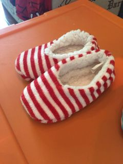 Slippers-about an 8