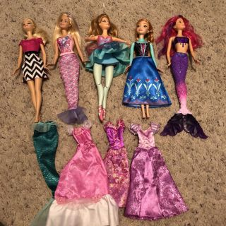 Barbies, extra clothes, GUC