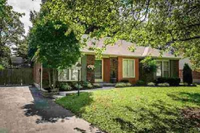 6805 Wunderly Ct Louisville Three BR, Awesome brick ranch home