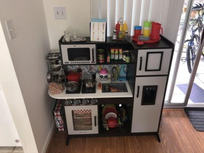 Kids kitchen with lots of extras!