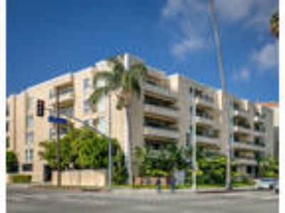 Doheny Plaza - One BR One BA