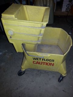 Commercial Mop Bucket with Ringer