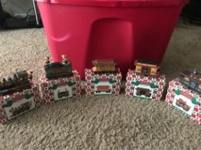 5 Piece Holiday Collection Train