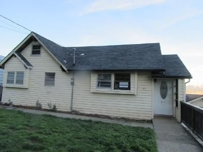 2 Bed 1 Bath Foreclosure Property in Rainier, OR 97048 - W E St