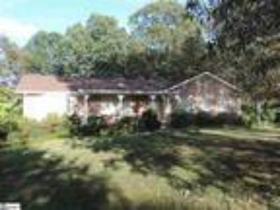 All brick home in Blue Ridge area with 44.5 b...