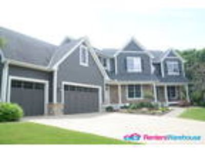 Stunning Five BR Executive Home for Rent in EP!!