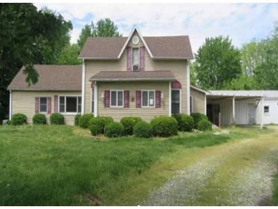 4 Bed 1 Bath Foreclosure Property in Lewis, IN 47858 - E State Road 246