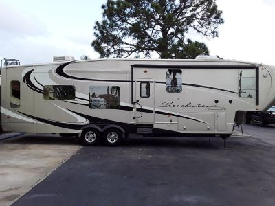 2012 Coachmen Brookstone Diamond 367RL