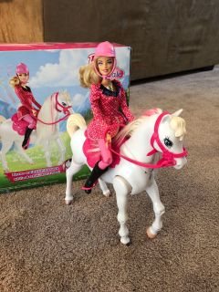 Barbie train and ride horse