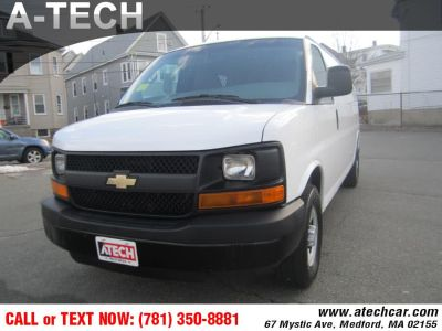2011 Chevrolet Express 3500 3500 (Summit White)