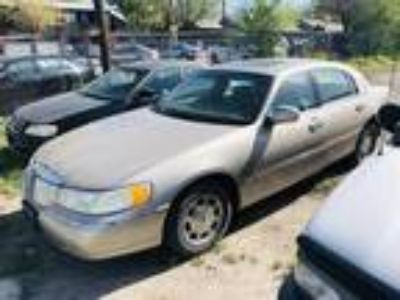 Used 2000 LINCOLN TOWN CAR For Sale