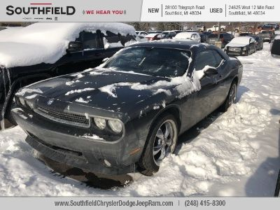 2010 Dodge Challenger SE (Stone White Clearcoat)