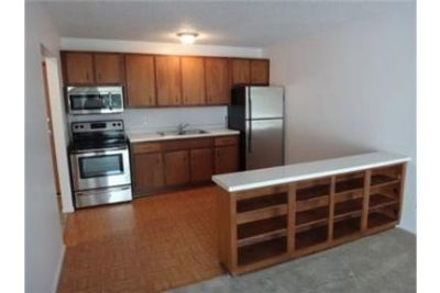 1 bedroom Apartment - Located Sibley in Burnsville, Minnesota. Parking Available!