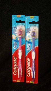2 Colgate toothbrush extra clean