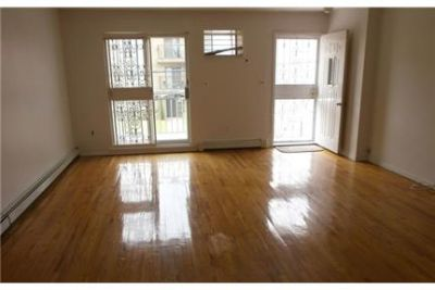 3 bedrooms - 1 bathroom - Apartment - ready to move in.
