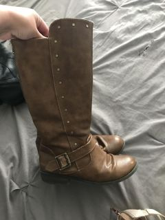 EUC girls brown riding boots - size 3
