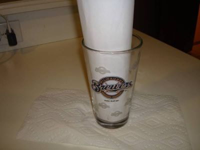 Authentic Promo 2007 dated MILWAUKEE BREWERS Beer Pint Glass Boelter!!