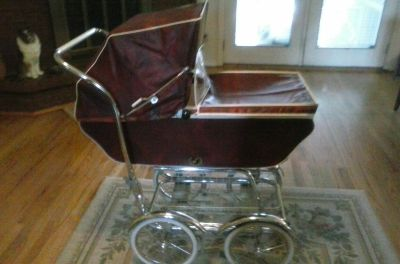 1960 Vintage Baby Carriage by Wonda. Excellent Condition