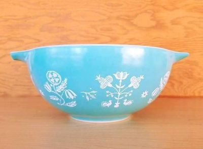 Vintage Pyrex Turquoise Needlepoint Embroidery Cinderella 443 2 1/2 qt Bowl