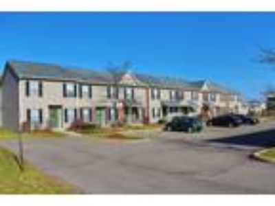 Willow Ponds Apartments - Silver Maple