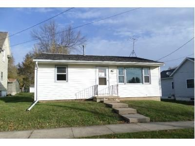Foreclosure - Lincoln Dr, Oelwein IA 50662