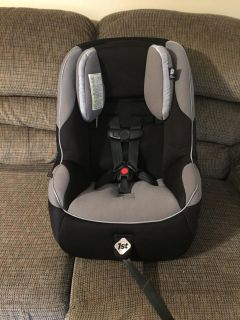 Safety 1st Car Seat. Exp 12/2019