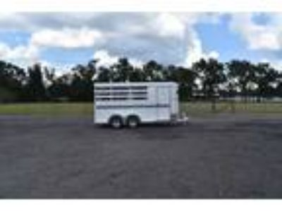 New 2019 Bee 3HBPSL 3 Horse Trailer with 2 Short Wall