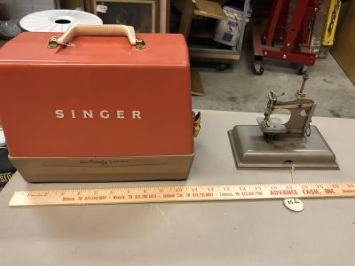 Vintage small singer child s sewing machine