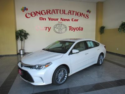 2016 Toyota Avalon XLE (Blizzard Pearl)