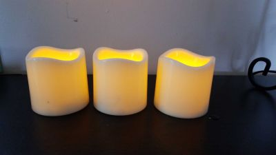 Set of 3 battery operated candles
