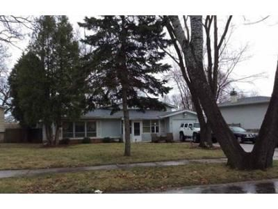 3 Bed 1 Bath Foreclosure Property in Waukegan, IL 60087 - Stonegate Rd