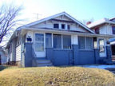 Nice Duplex with Basement located close to downtow