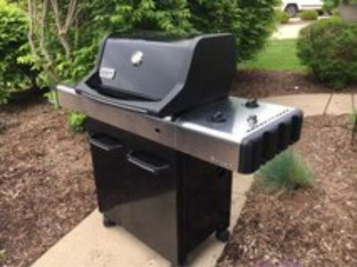 Weber Spirit Grill w/ Tank and Cover