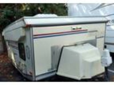 1998 American Clipper Fold-N-Roll Travel Trailer in Rohnert Park, CA