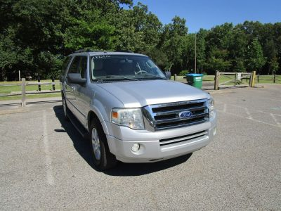 2010 Ford Expedition XLT (Silver)