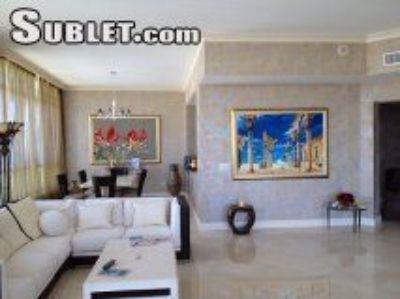 Three Bedroom In Hollywood